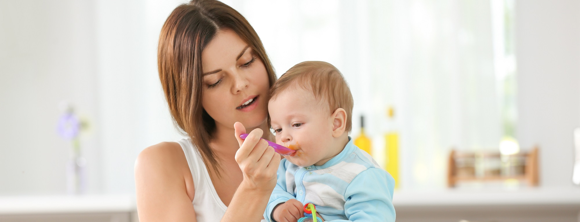 10-Month-Old's Feeding Schedule: What to Feed a 10 Months Old Baby