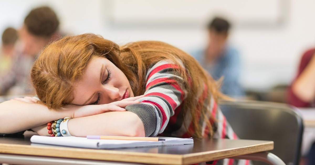 How to Stay Awake in Class with Little Sleep: 11 Badass Life Hacks